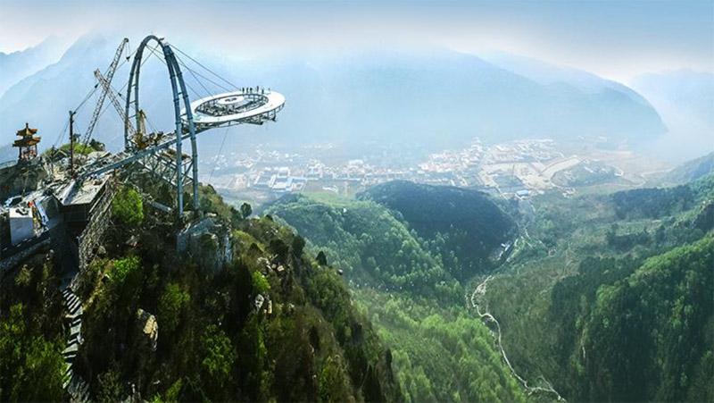 石林峡钛合金飞碟玻璃观景台落成